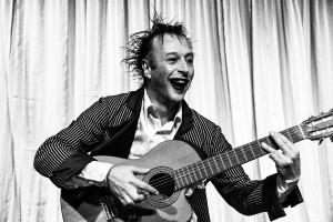 Cie J'ai mangé ma guitare, François Boutibou